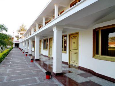 BudgetHotelNearAirportInUdaipur