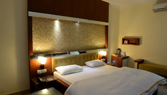 Hotel Rooms Near Udaipur Airport
