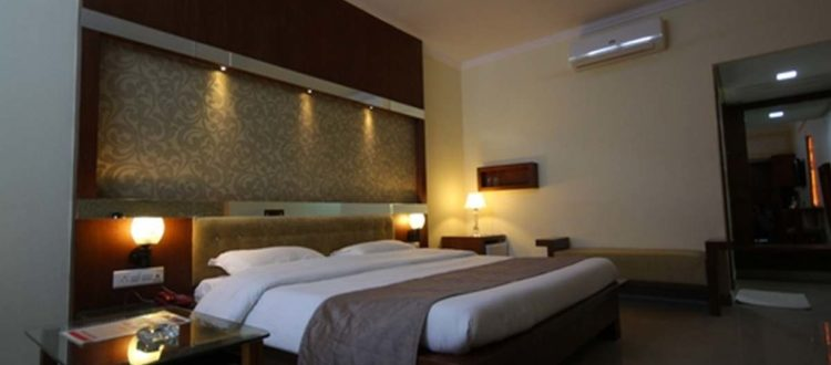 Hotels In Udaipur Near Airport